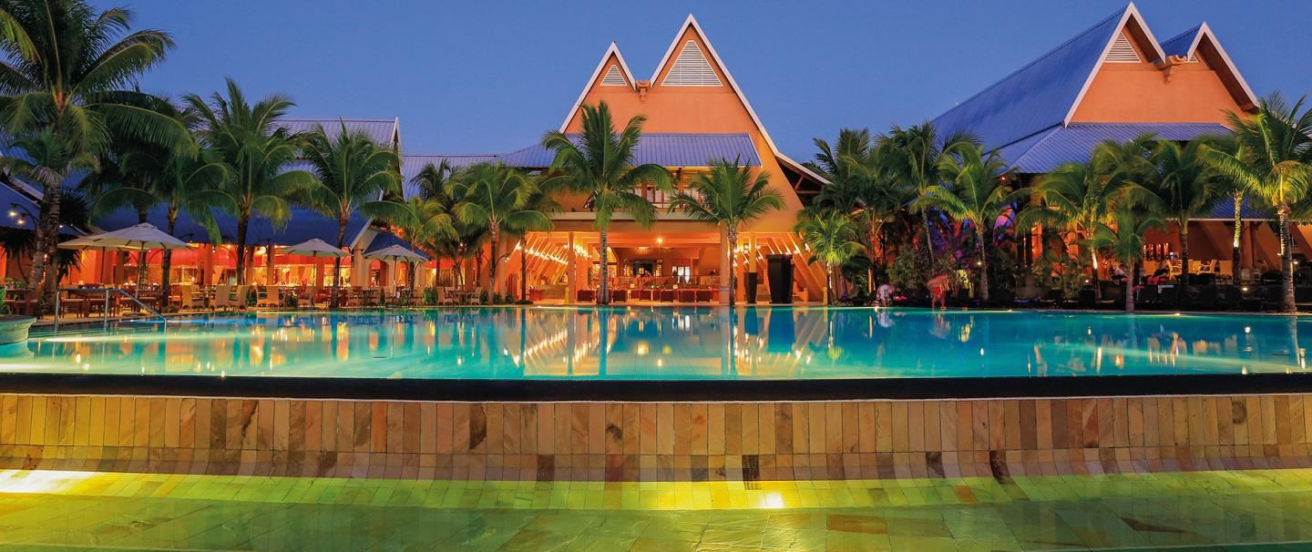 4 Star Superior Victoria Beachcomber Resort & Spa for 5 nights from R19 350* pps