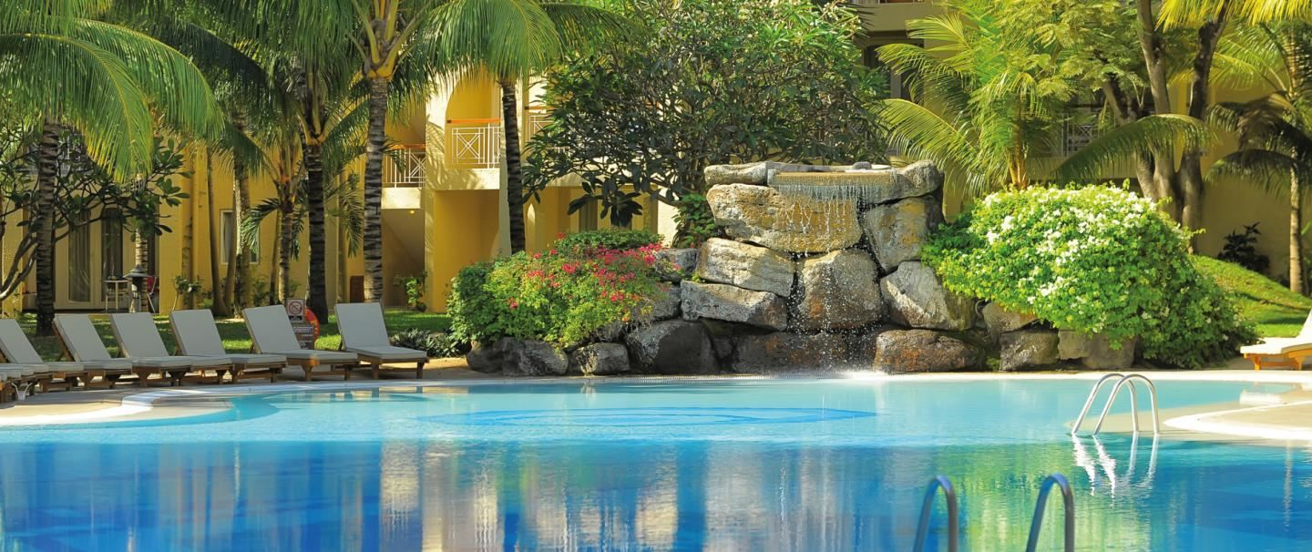 4 Star Canonnier Beachcomber Golf Resort & Spa for 7 nights from R20 580* pps