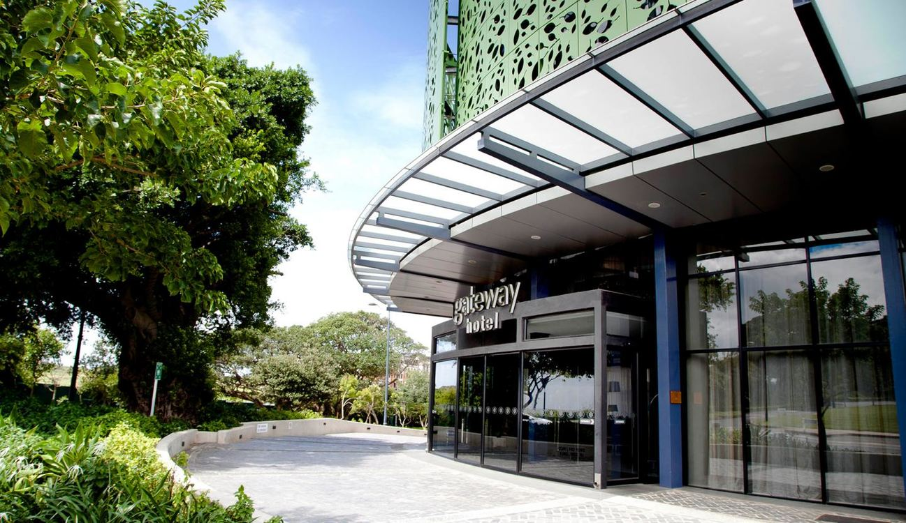 3 Star aha Gateway Hotel for two nights from R1 125* pps - self drive