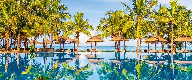 5 Star Dinarobin Beachcomber Golf Resort & Spa for seven nights from R29 180* pps