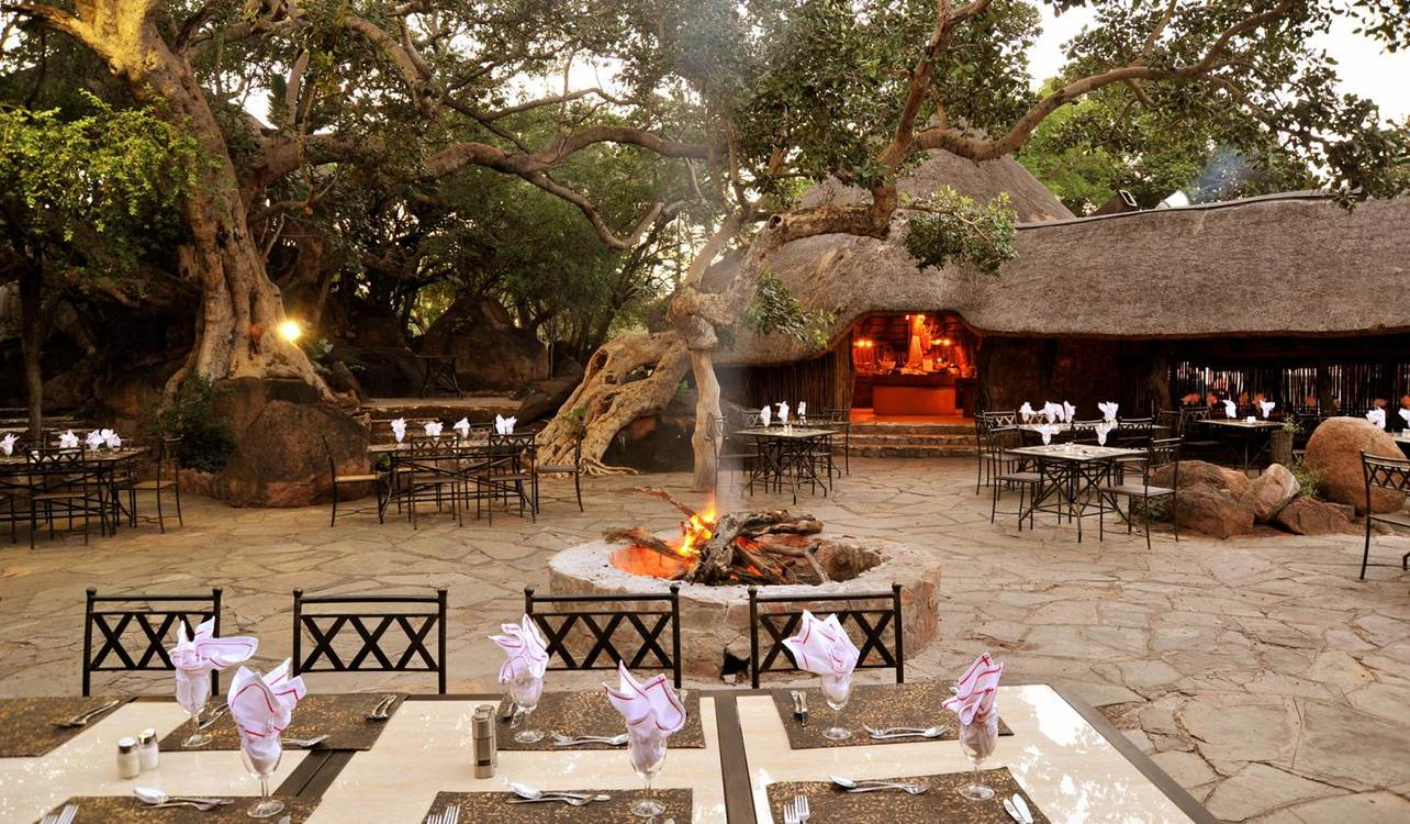4 Star Mabula Game Lodge for 2 nights from R3 320* pps - self drive