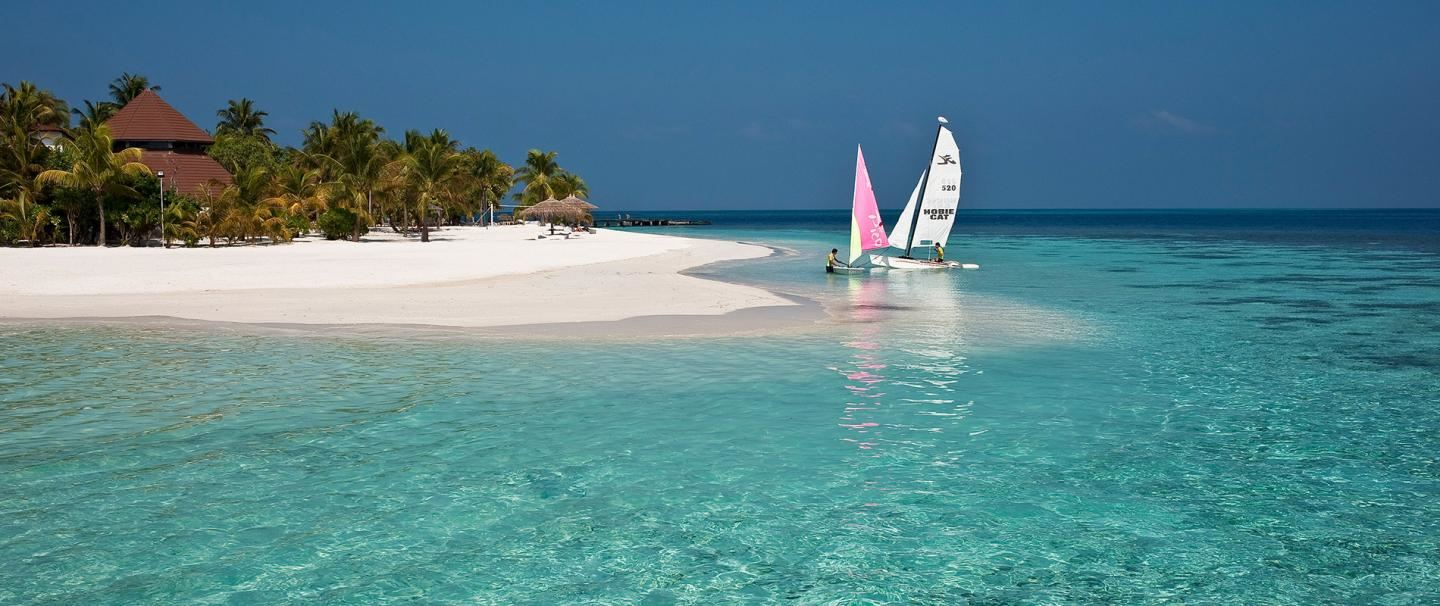 5 Star Diamonds Athuruga, Maldives for 7 nights from R38 020* pps