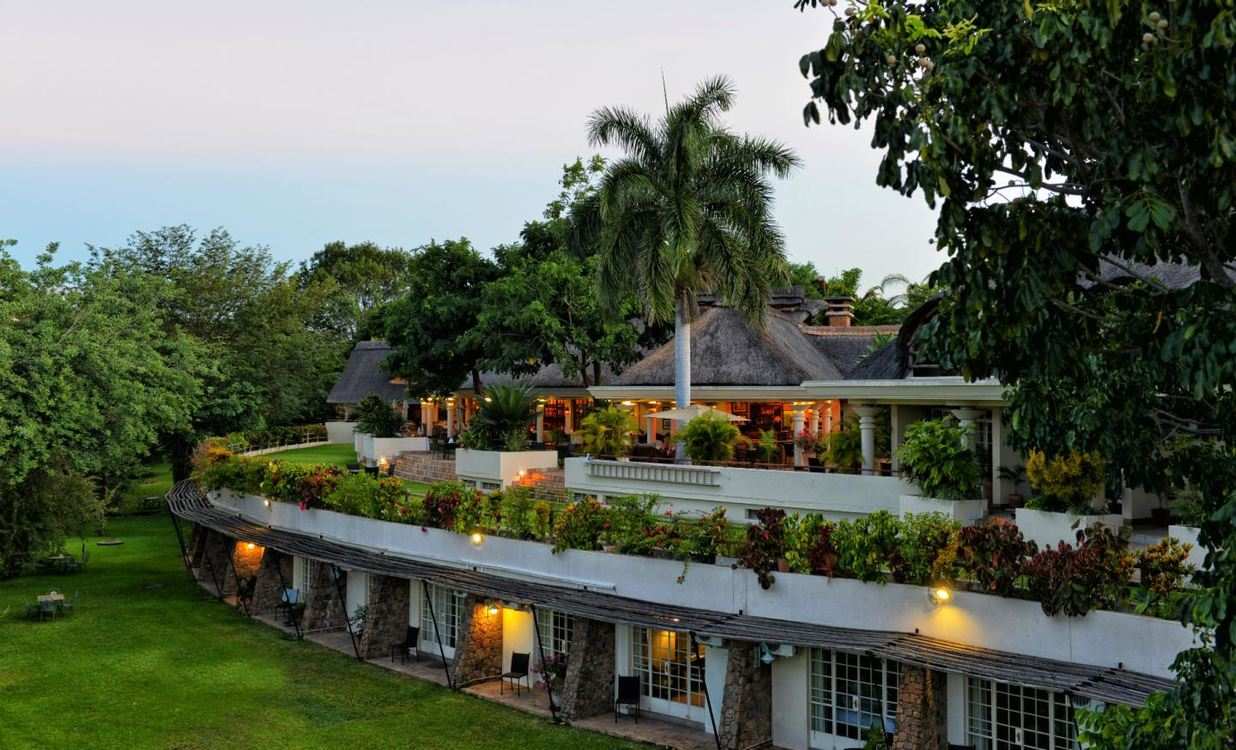 4 Star Ilala Lodge hotel, Zimbabwe for 3 nights from R11 550 pps