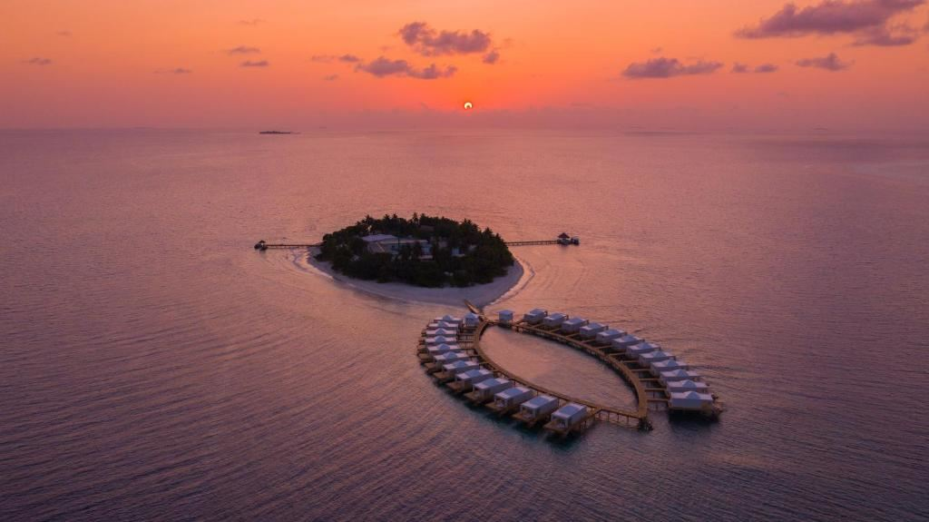 4* Sandies Bathala - Maldives Package (7 nights)